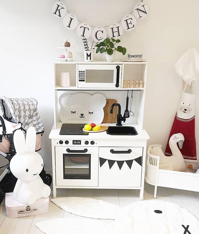 Lyxig känsla med stilrent kök