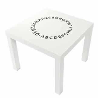 ABC i cirkel på vitt bord LACK från Ikea.