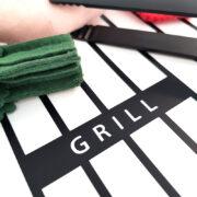GRILL står det tydligt på grillgallret