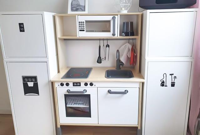 Kök med både kyl/frys och städskåp