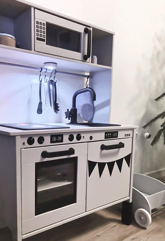 Extrautrustat Duktig-kök toppat med belysning