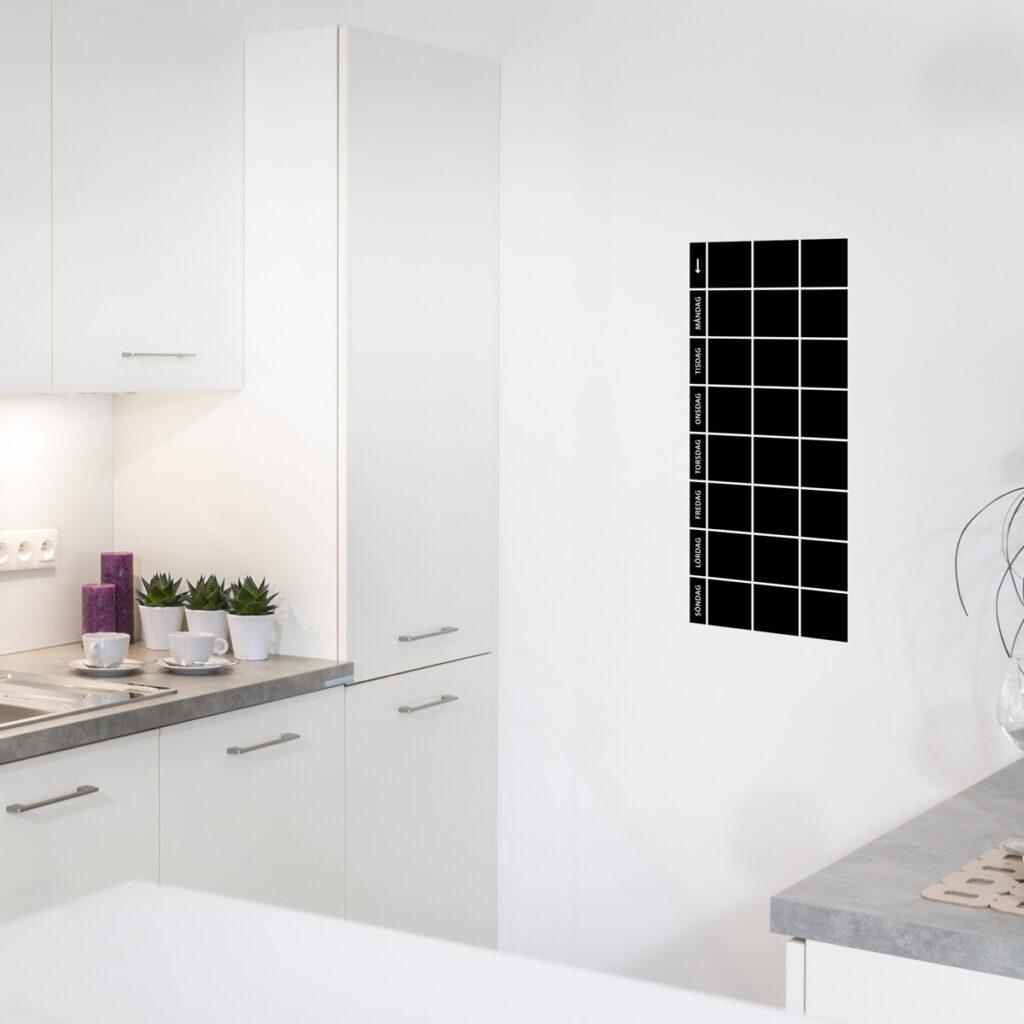 Planeringstavla som wallsticker i köket